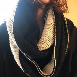 Women winter coat with Steve Madden scarf